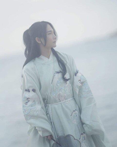 Xian Fei 先菲